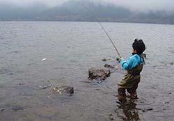 雨の芦ノ湖