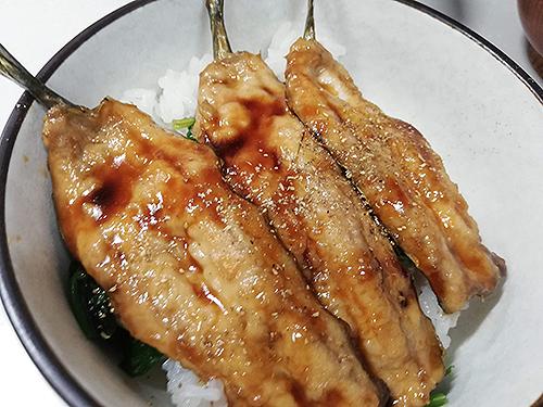 サンマの蒲焼き丼